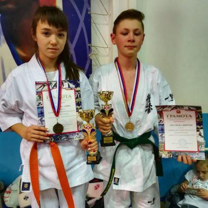 Каратисты Усть-Катава успешно выступили на областных соревнованиях