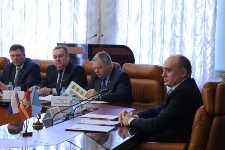 Российская Федерация иКазахстан объединятся для уничтожения саранчи