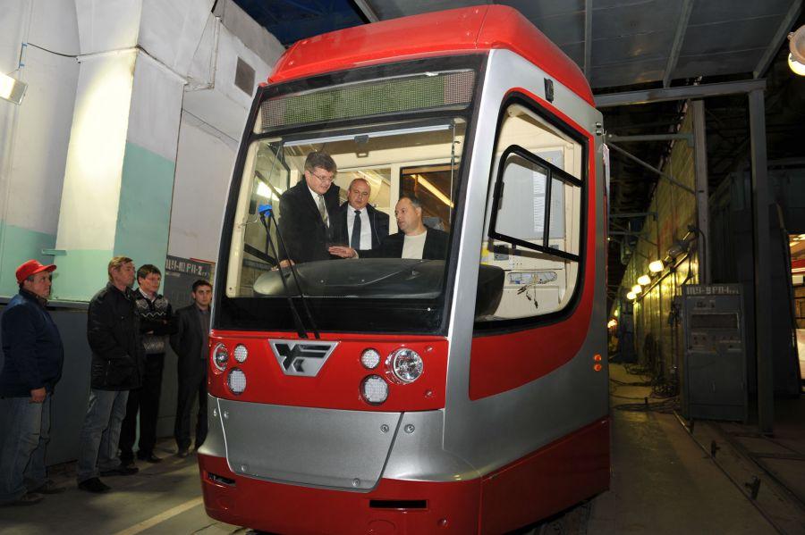 низкопольный трамвай – в