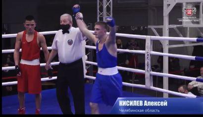 Боксер из Усть-Катава стал победителем первенства УФО по боксу