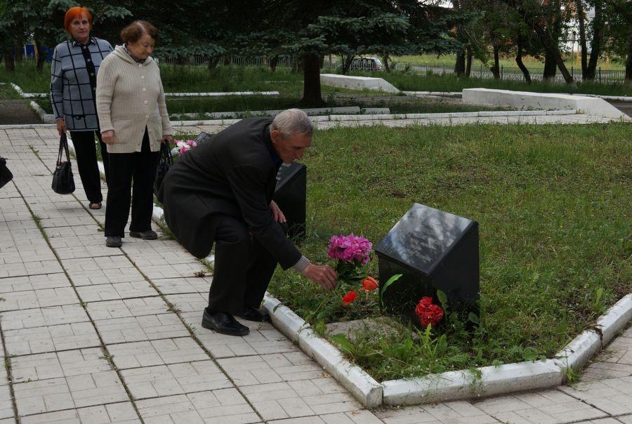 Семьям погибших военнослужащих изЧелябинской области выплатят по 10 000 руб.