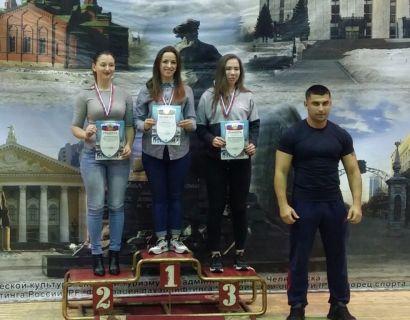 Усть-катавская спортсменка выиграла чемпионат области по пауэрлифтингу