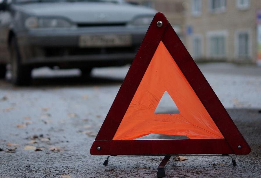 ВУсть-Катаве умер шофёр иномарки, влетевший встолб