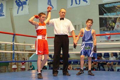 В Усть-Катаве с успехом прошёл областной турнир по боксу